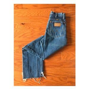 Vintage High Waisted, Straight Leg Wrangler Jeans